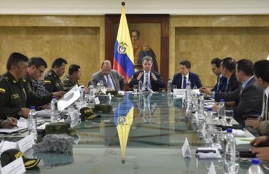 El Presidente Juan Manuel Santos lidera un Consejo de Seguridad este martes en Medellín, junto con el Ministro de Defensa, altos mandos policiales y militares, el alcalde de la ciudad y el Gobernador de Antioquia.