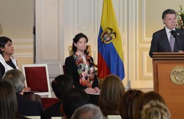 Natalia Ponce de León, (centro) durante la sanción de la ley que lleva su nombre.