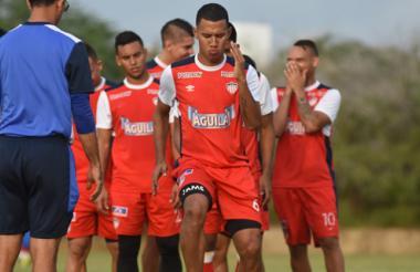 El barranquillero James Sánchez comandará una vez más el mediocampo del Junior hoy frente a las Águilas.