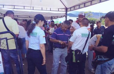 Movimiento fronterizo durante el tercer día de la reapertura de la frontera.