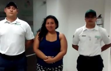 Una de las mujeres capturadas durante los operativos.