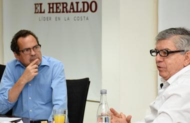 Marco Schwartz, director de EL Heraldo, en conversación con el expresidente César Gaviria Trujillo.