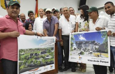 El alcalde Alejandro Char y los concejales enseñan los diseños de ambos estadios.