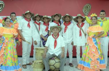 Grupo de gaiteros del municipio de Ovejas, Sucre, durante su visita a EL HERALDO.