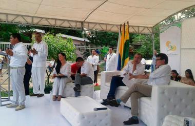 El gobernador durante la inauguración.