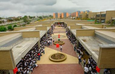 Aspecto general del megacolegio Las Cayenas, ubicado en la localidad Metropilotana de la capital del departamento del Atlántico.