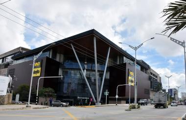 Fachada del centro comercial Viva Barranquilla, que abre sus puertas hoy.