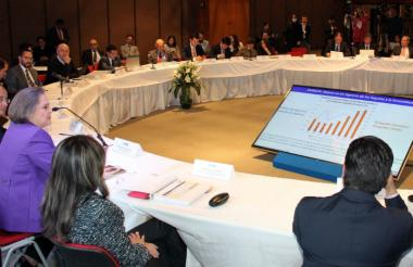 Inicio de la mesa de concertación para definir el incremento del salario mínimo en 2017.