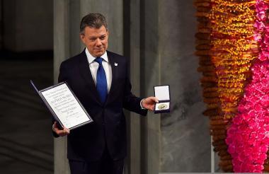 El presidente Santos recibe el premio Nobel de Paz.
