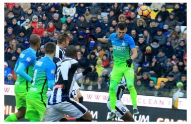 Momento en el que Perisic marca el gol del triunfo del Inter.