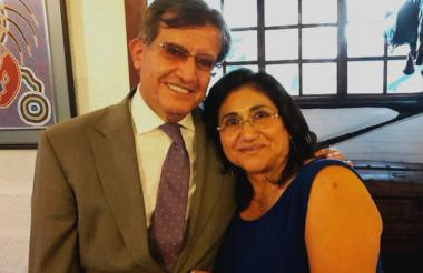 Elsa Marina Usurieta junto a su esposo.