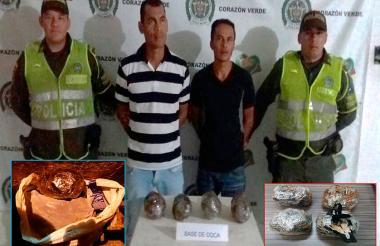 Los capturados mostrados por la Policía del Magdalena. También aparecen la base de coca camuflada en yucas.