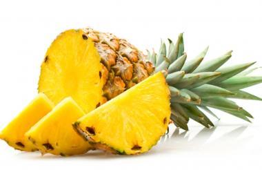 La piña es una de las frutas más saludables con altas propiedades diuréticas.