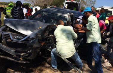 Así quedó la camioneta Chery que chocó contra un árbol en Fundación.