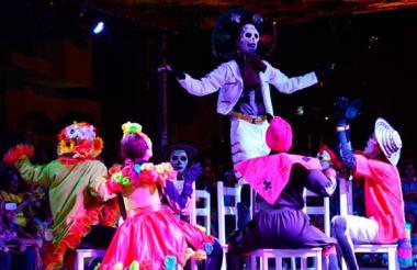 Presentación 'Guacherna de las calaveras' durante la Carnavalada de 2015.