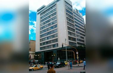 Fachada de oficina del Banco Agrario en Bogotá.