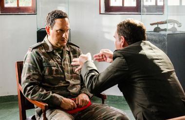"""El actor Andrés Parra durante la grabación de la serie """"El Comandante"""". La foto fue cedida por el Canal RCN,"""