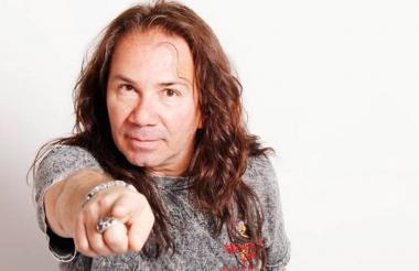 Elkin Ramiréz, cantante de rock colombiano.