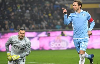 Biglia celebra su gol.