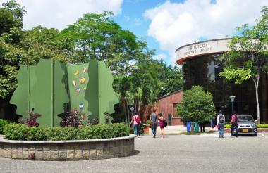 Sede de la biblioteca Pompeyo Molina.