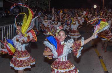 La Banda de Barano durante el desfile del Garabato de Emiliano.