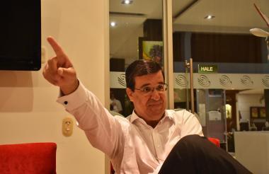 Christian Laub durante la presentación de la firma ante inversionistas en B/quilla.