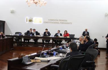 Aspecto del debate en Comisión Primera del Senado