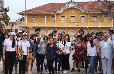 Grupo de estudiantes extranjeros, en Puerto Colombia.