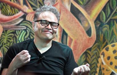 Joselo Rangel, guitarrista de Café Tacvba, durante el conversatorio en el restaurante La Cueva.