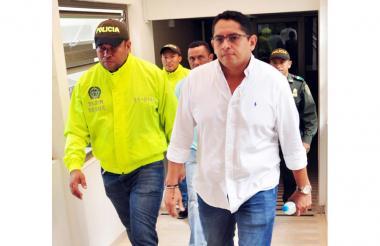 El alcalde Fredy de Jesús Rivera cuando ingresaba a la sede de los juzgados en Sincelejo.