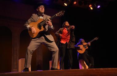 Integrantes del trío cómico- musical de Paul Morocco y Olé.