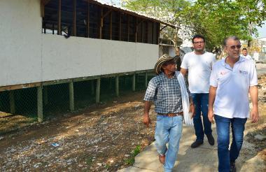Gobernador Verano visita a Las Compuertas.