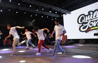 Muestra de baile de la Fundación Seres Vivientes.