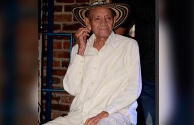 El acordeonista Chema Martínez, fallecido.