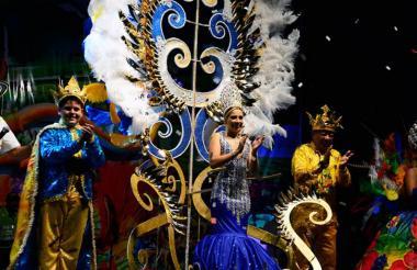 Valeria Rocha, reina del Carnaval de la 44, en su ceremonia de coronación.
