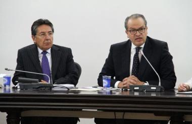 El fiscal general, Néstor H. Martínez, y el procurador general, Fernando Carrillo.