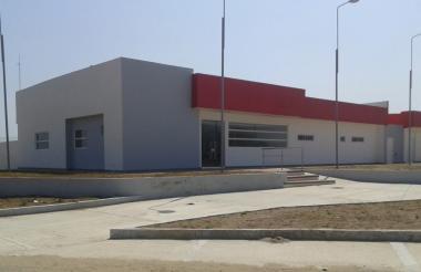 Fachada del centro de salud de Santa Lucía.