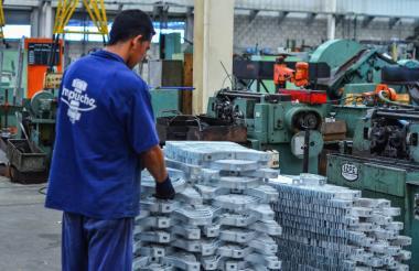 La industria ayudó a la creación de más empleos, según el Dane.