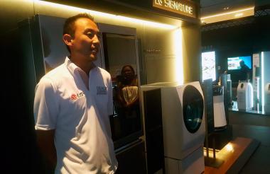 Fernando Lee, gerente de producto, presenta la línea 'Signature' en Cartagena.