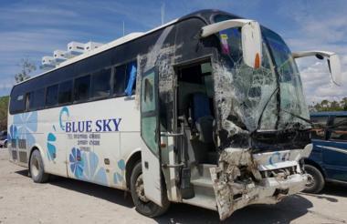 Autobús de la línea Blue Sky mató a 38 personas.