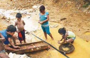 El cianuro es muy usado en la minería ilegal de oro.