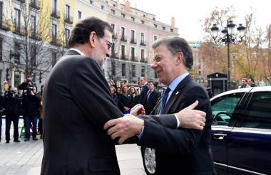 El presidente Juan Manuel Santos y su homólogo Mariano Rajoy.