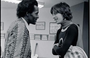 Mick Jagger publicó en su cuenta de Twitter esta foto para el recuerdo junto al fallecido Chuck Berry.