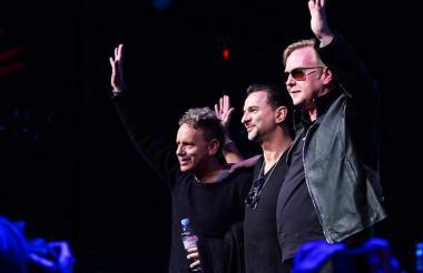 El grupo Depeche Mode durante un concierto.