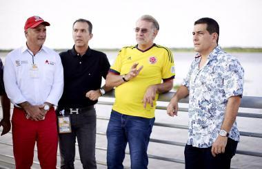 Anatolio Santos, secretario de Desarrollo; Luis H. Martínez, gerente del ICA, y Eduardo Verano, gobernador.