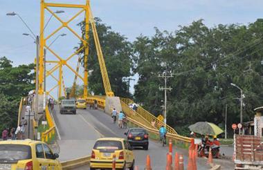 En abril de 2015 se conoció el informe técnico que advierte riesgo de colapso del viejo puente de Montería. EL HERALDO.