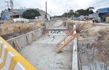 Aspecto de las obras de canalización del arroyo de la 21.