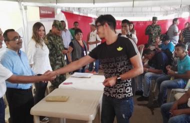 Funcionarios del Gobierno durante la feria de El Carmen de Bolívar.