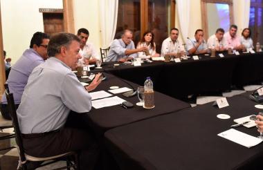 El presidente Santos y los mandatarios de la Región Caribe reunidos en Cartagena.