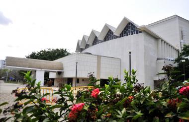 Teatro Amira de la Rosa.